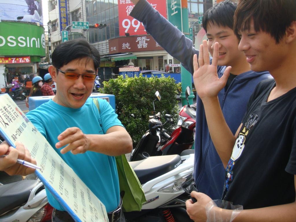 屏縣基層員警發起草根運動 呼籲學生認識毒品保護自己